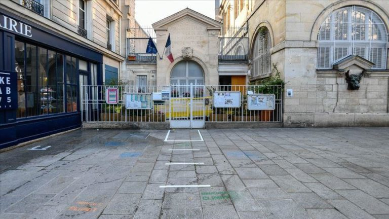 COVID-19: France reports 100-plus daily deaths in slight uptick