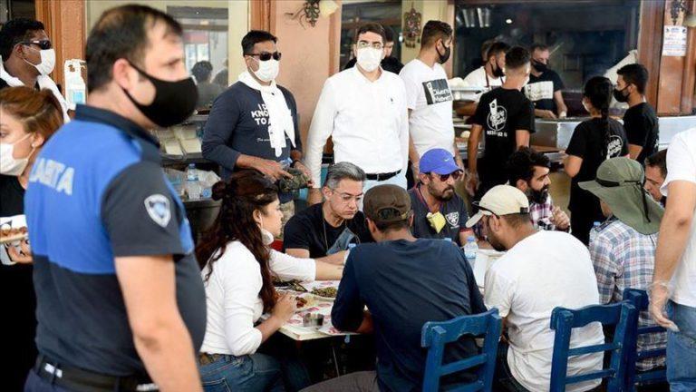 Bollywood star Aamir Khan meets fans in Turkey